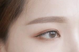 近视眼能够割双眼皮吗之后对佩带眼镜有什么影响…