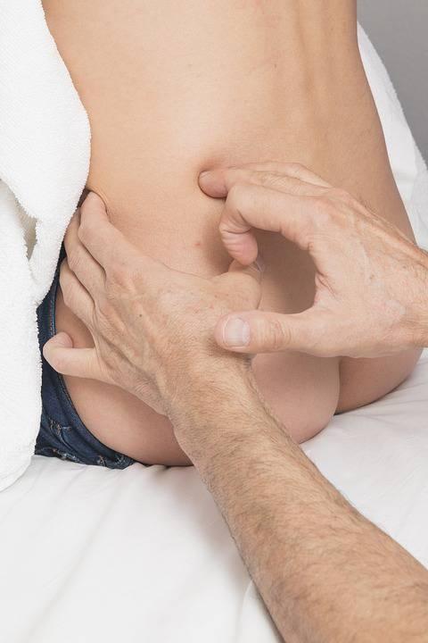 坐骨神经痛引起的足低麻木如何治疗坐骨神经痛有哪些症状