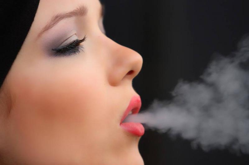 饭后马上抽烟的危害饭后马上抽烟好不好