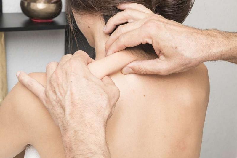 肌肉萎缩按摩图教你四招按摩肌肉萎缩的方法